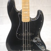 Fender Jazz Bass 1977 Black Maple Neck 02